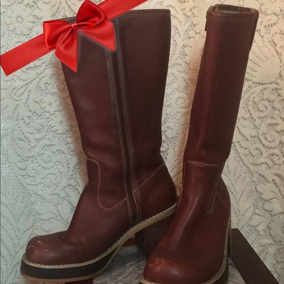 96d72d97692 Frye Shoes - FRYE PLATFORM BOOTS Dorian Campus Boots Size 6